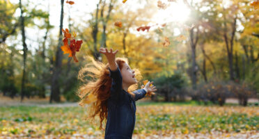 الاطفال هم فرح الحياة، الذي لا يخلو من مخاوف ليست بقليلة ، لا ينبغي ان تكون الكورونا احدهم